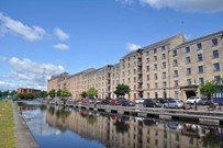 flat to rent & applecross wharf moorings glasgow