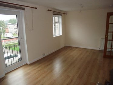 £400 Pcm 2 Bed Flat To Rent In Dunfermline
