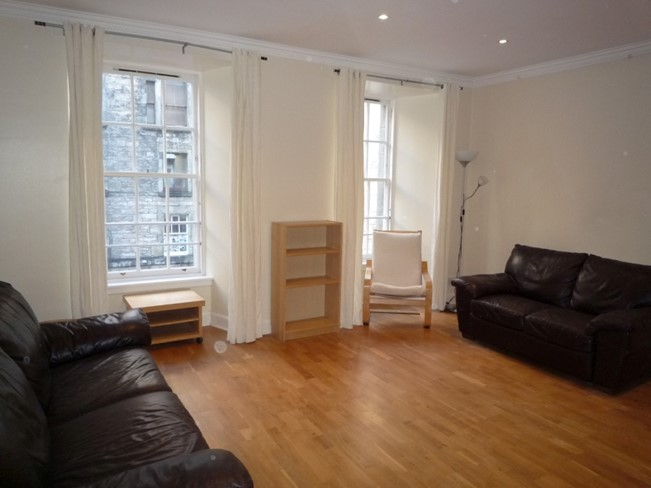 Property to rent in old town eh1 flat properties from for Chantry flats cabins rental