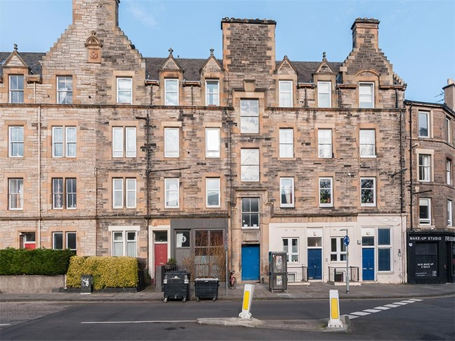 Property to rent in meadowbank eh8 royal park terrace for 18 royal terrace edinburgh