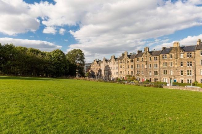 Property to rent in abbeyhill eh8 royal park terrace for 18 royal terrace edinburgh