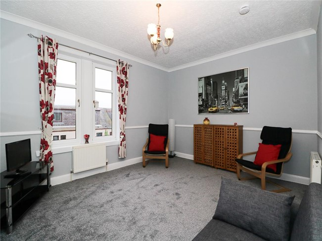Property to rent in kirkcaldy ky1 station road for Living room kirkcaldy