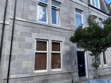Bed House To Rent In Rosemount